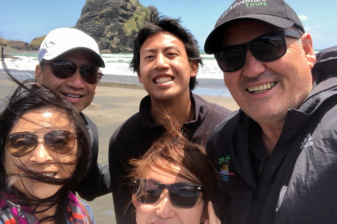 Piha Beach Tour