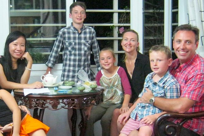 Private Guided Dinner with a local Family in Hanoi