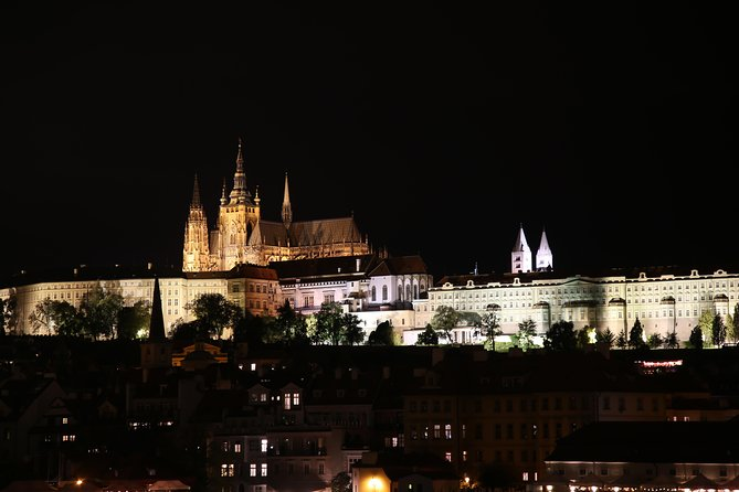 Prague private evening tour - taking gorgeous pictures from viewpoints