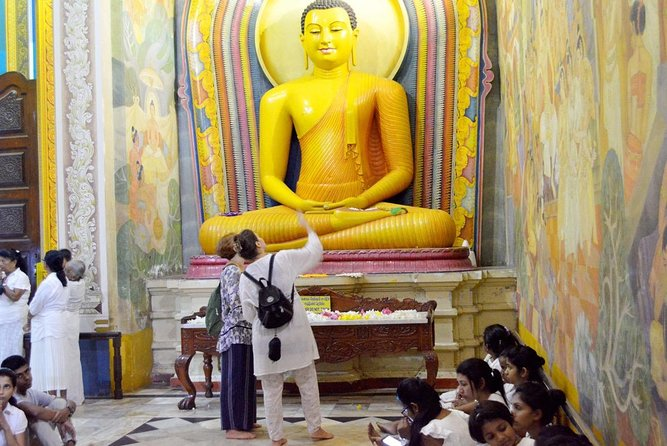 Buddhist Art and Temple Experience