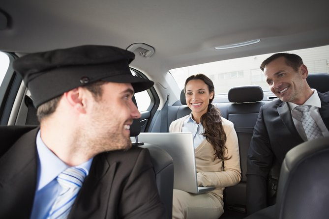 Christchurch Airport (CHC) to City Center to Airport - Private Transfer