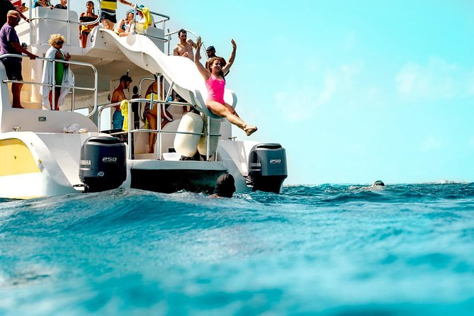 Full Day Private Boat Charter at Grace Bay, Providenciales
