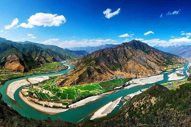 Private Day Trip to Yangtze River First Bend, Shigu Ancient Town, Tiger Leaping Gorge from Lijiang photo 7