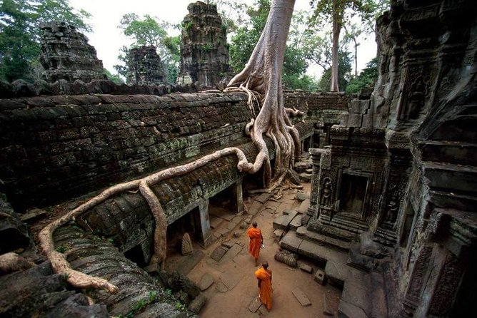 Temple Tour including Angkor Wat & Floating Village photo 4