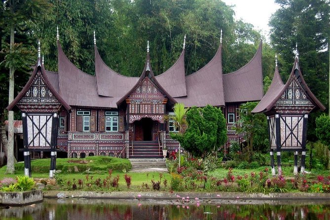3 Day Bukittinggi Tour from Padang: Anai Valley Waterfall, Pacu Jawi & City Tour