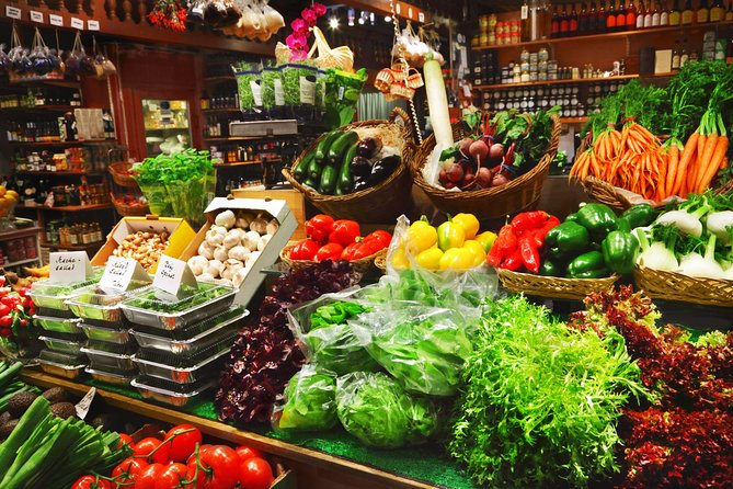 Name your recipe: food market tour and workshop with a Cesarina in Milan
