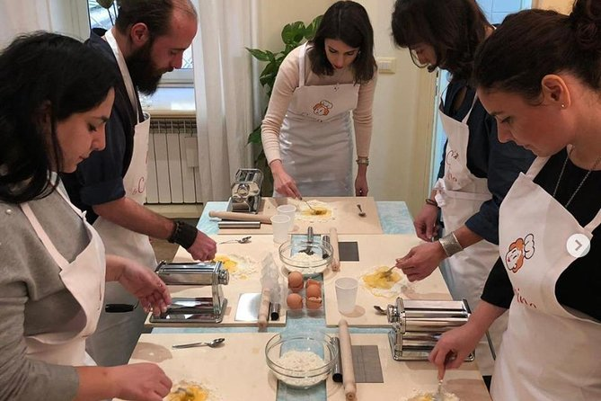 Private cooking class at a local's home with tasting in Positano