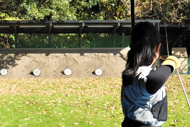Japanese archery Guide Tour with trial shooting experience photo 4