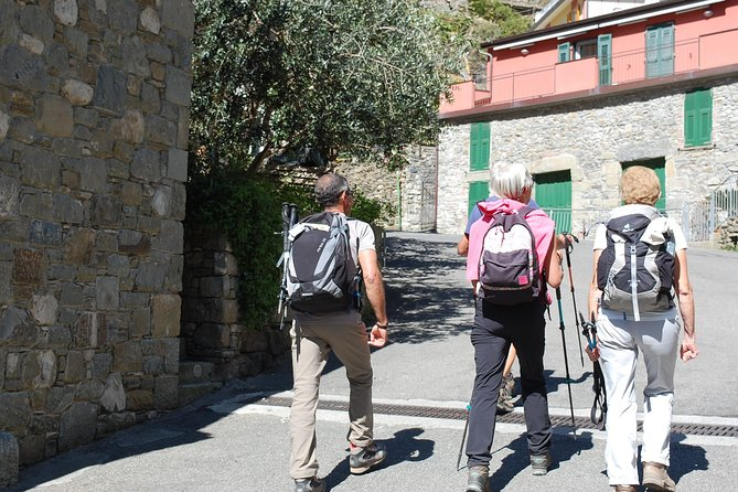 An easy hiking and a wine tasting tour in Cinque Terre