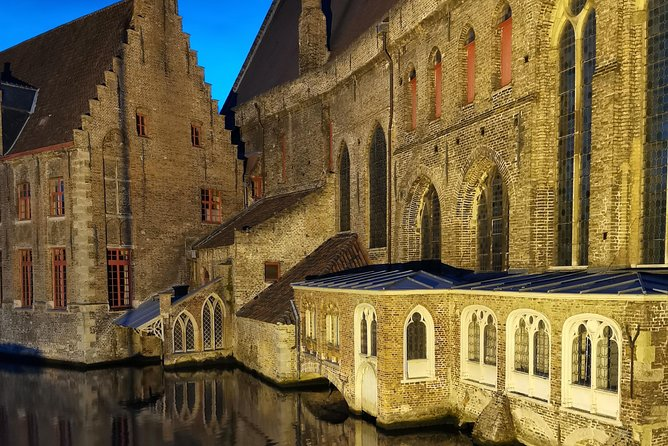 History, Magic and Chocolate tour of Bruges photo 2