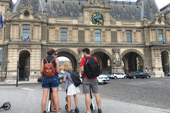 Visit of Paris by scooter and treasure hunt!