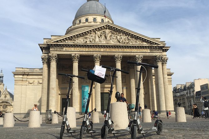 Scooter treasure hunt to visit Paris!