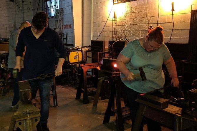 Blacksmithing 101: Forge a hook, San Antonio, TX, ESTADOS UNIDOS