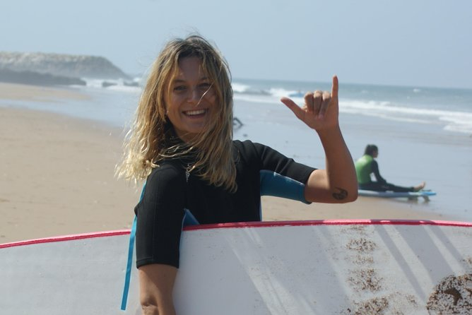 Unforgettable Surf coaching holidays (All inclusive stay, 8 days & 7 nights)
