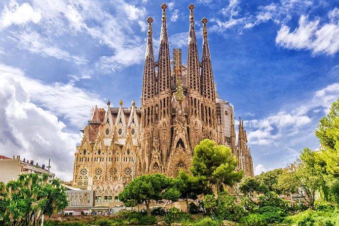 Glorious Gaudí Private Tour with Sagrada Familia Ticket