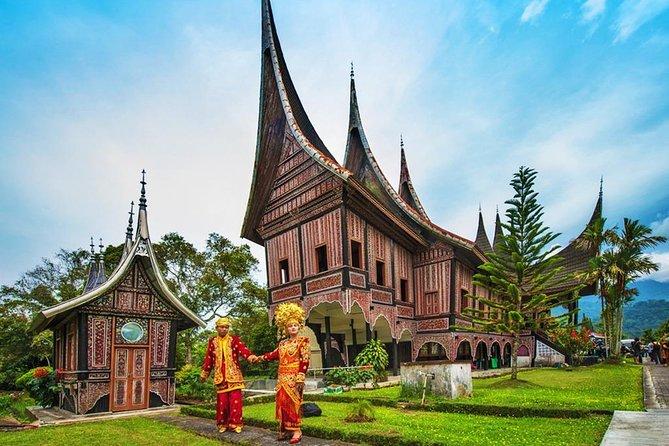 3 Days Private Padang Tour: Minangkabau Cultural Center, Village & City Tour