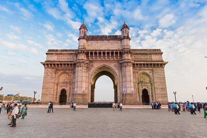 Mumbai: Experiencing Local transports and city sightseeing