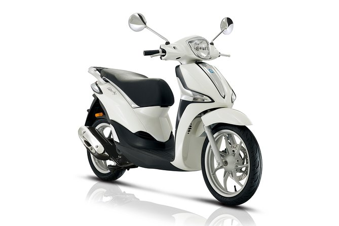 Liberty scooter rental Piaggio 50cc (4T) Paris
