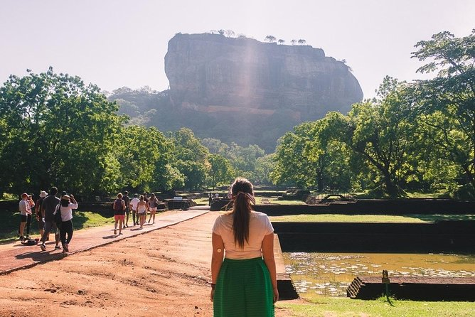 Sigiriya and Dambulla Day Tour from Colombo (All Inclusive)