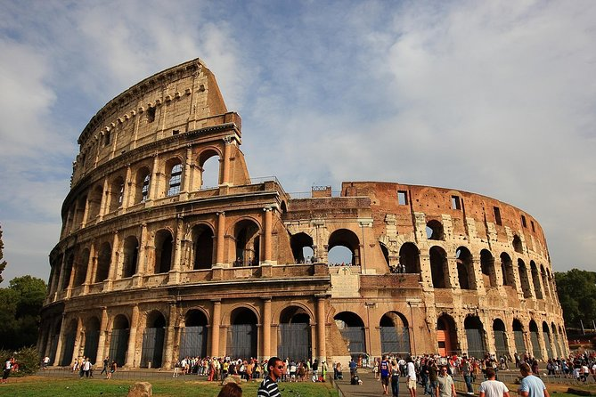 Rome: Private Tour of Colosseum with Driver (Optional Meal)
