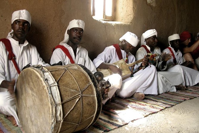 Skip the Line: Guitar Meeting with Gnaoua Musicians in Merzouga Desert Ticket photo 7
