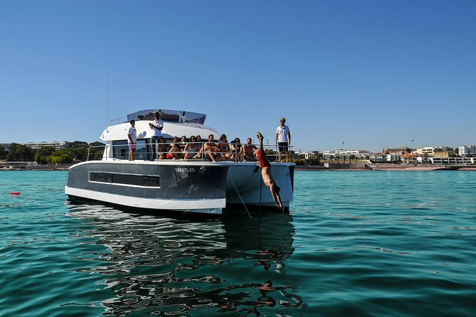Motor catamaran up to 18 people in Lisbon photo 17