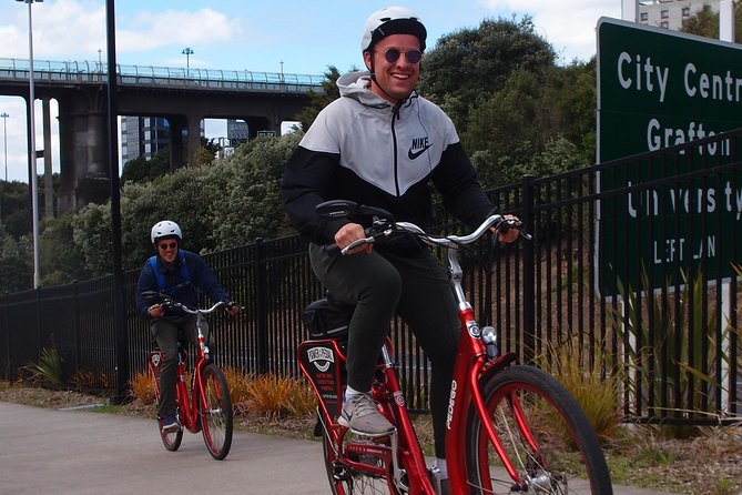 The Classic: our most popular electric bike tour of Auckland's Highlights