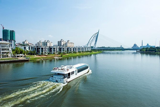 Amazing 14 Attractions Full-Day Putrajaya City Tour photo 21