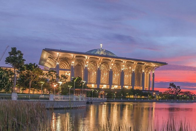 Amazing 14 Attractions Full-Day Putrajaya City Tour photo 2