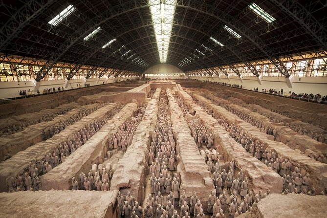 Customized Private Day Tour of Terracotta Warriors and Xi'an photo 1
