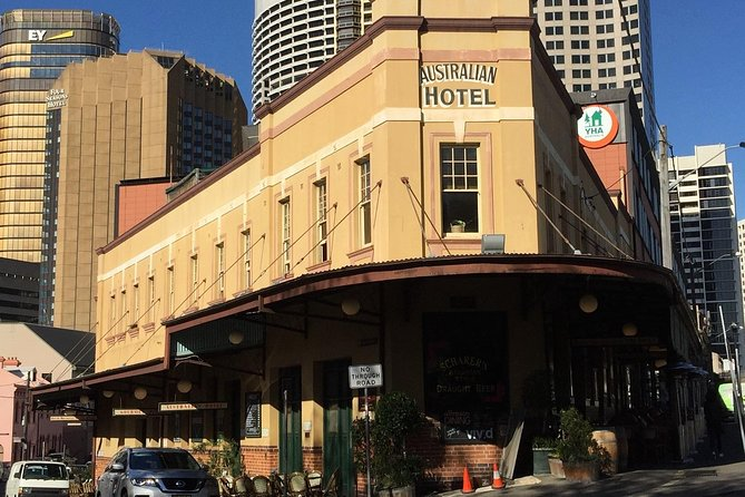 Private and tailored tiny group tour of Sydney with travel writer and historian