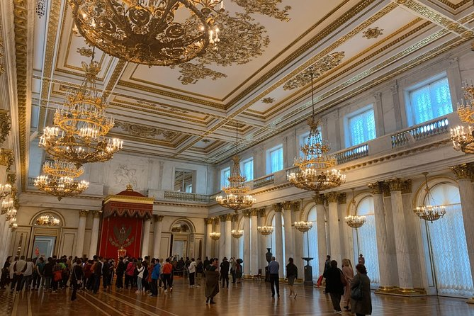 Private Saint-Petersburg Tour with Hermitage and Rivers and canals Boat Tour