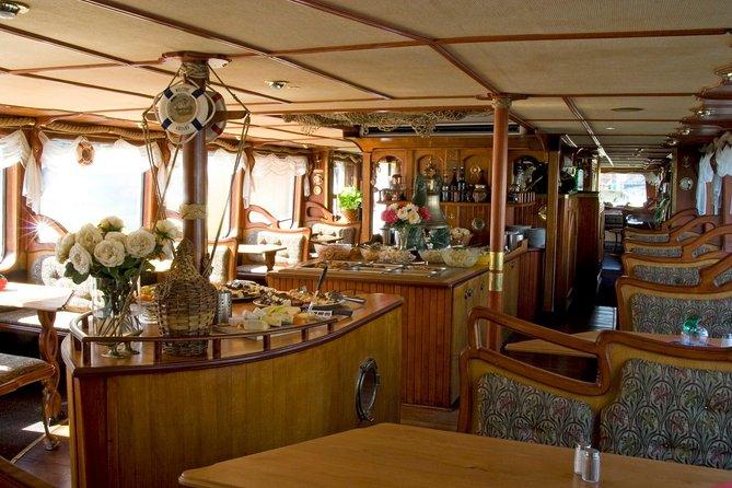 Lunch Cruise Buffet