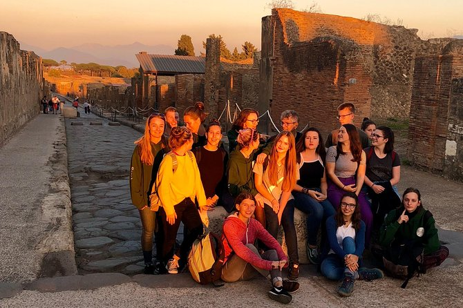 Pompei Guided Tour at Sunset photo 4