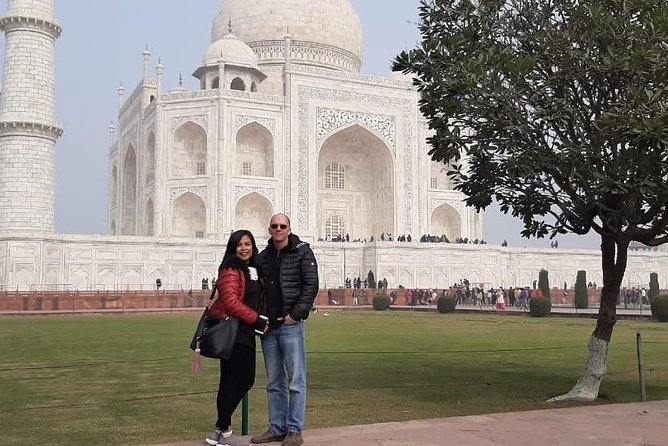 Day tour to Taj Mahal & Agra fort from Delhi,5 star hotel lunch included . photo 8