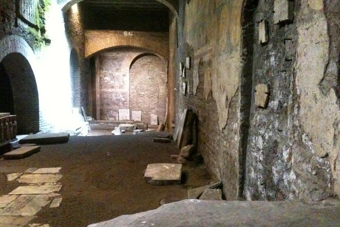 Secret Rome: Trastevere Undergrounds Private Walking Tour