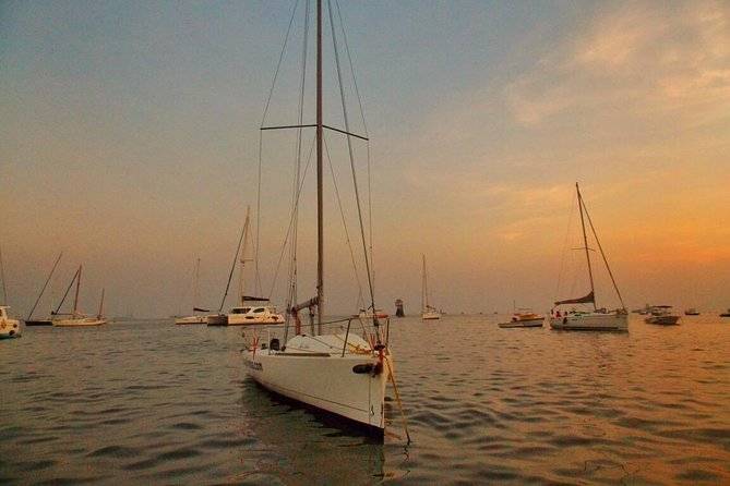 Mumbai Sky Line Private Sailing Excursion for up to 5ppl