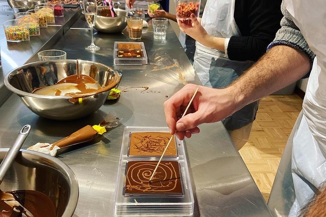 Chocolate making workshop photo 3