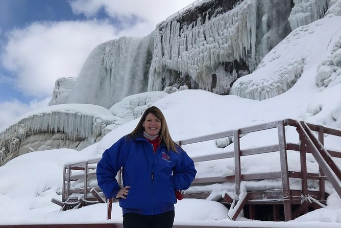 Niagara Falls in One Day: Winter Wonderland Tour of Canadian and American Sides