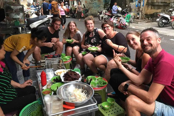Ho Chi Minh Local Foodie Experience by Car (Private & All-Inclusive)