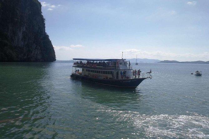 Phang Nga Bay 'Koh Hong by Starlight' Tour by Big Boat from Phuket