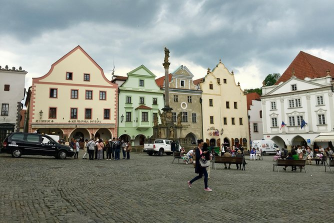 Guided transfer from Prague to Vienna and vice versa with a visit of Č. Krumlov