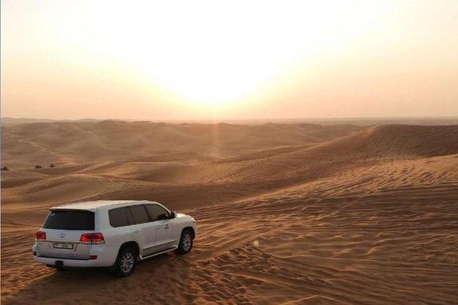 Sundowner Desert Safari Experience in Dubai with BBQ Dinner