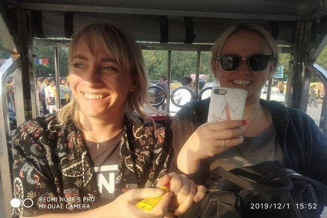 Customized Half Day Delhi Shopping Tour with Female Consultant photo 8