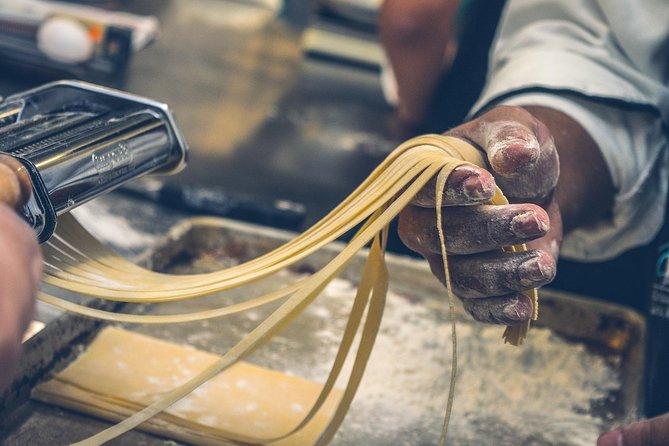 Menaggio (Lake Como): Italian Pasta Cooking Experience