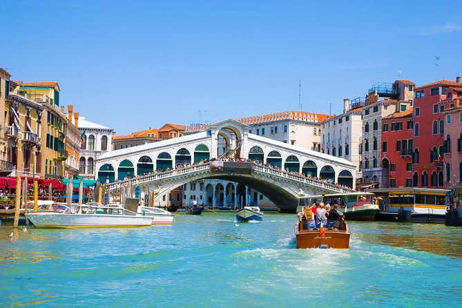 Hidden Venice Tour with Secret Gardens and Grand Canal Boat Cruise photo 1