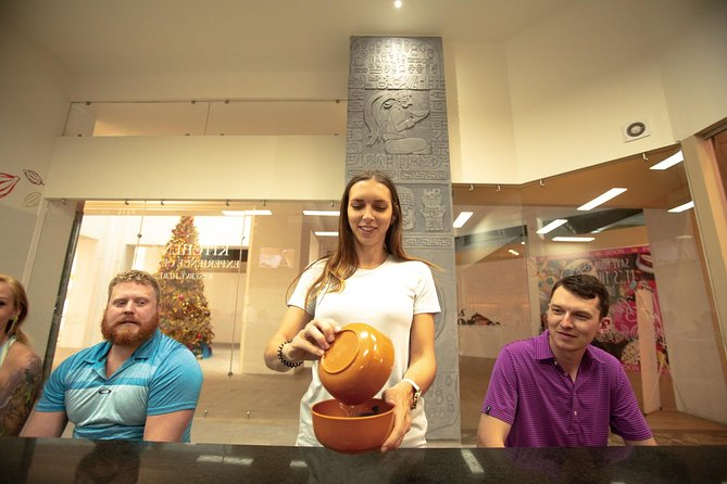 75 Minute Private Group: Cacao Bean to Chocolate Bar Culinary Experience photo 3