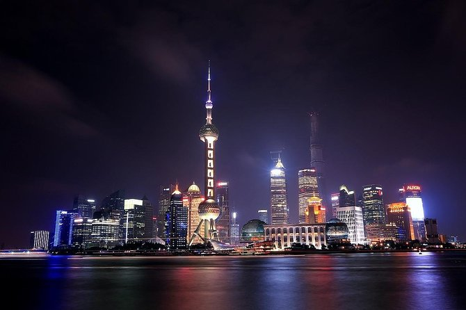 Private One Day Tour: Shanghai Old and New Highlights