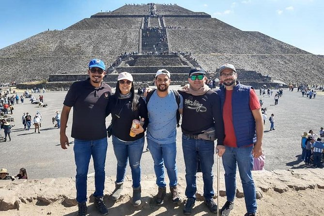 Private Tour, Pyramids of Teotihuacan and Basilica de Guadalupe.
