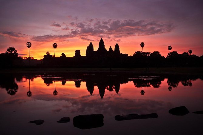 Angkor Wat Small Tour & Banteay Srey (Lady Temple)